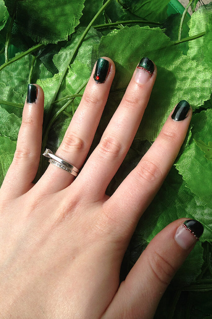 Poison Ivy Nails with Nail Caviar