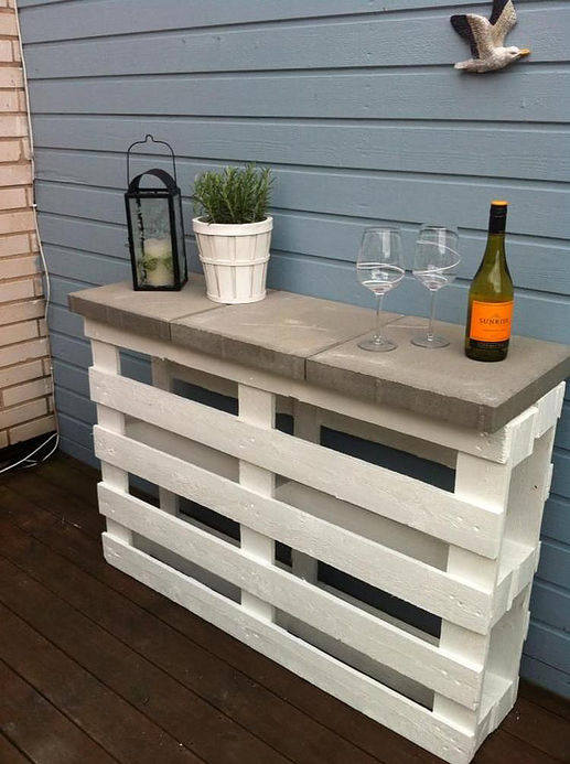 Pallet Bar Upcycle DIY Inspiration
