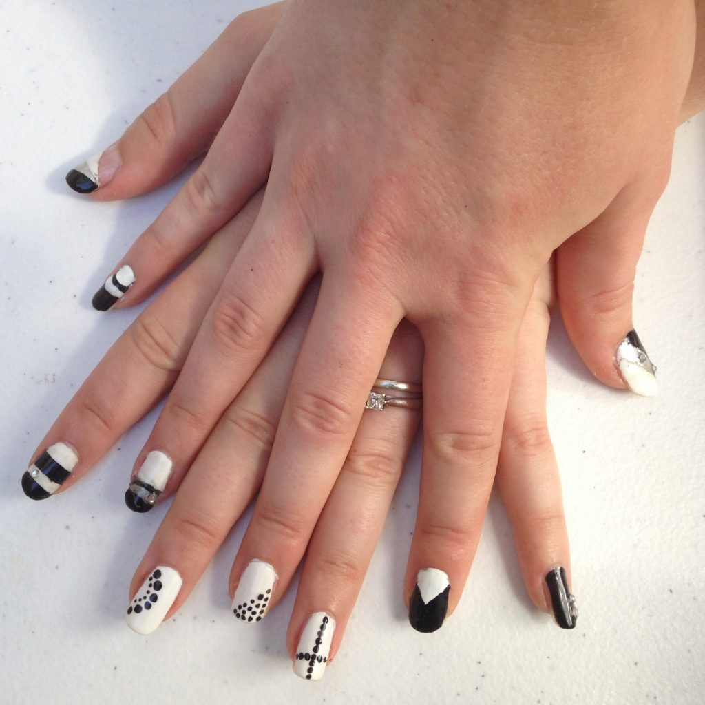 Black and White Geometric Nails 1