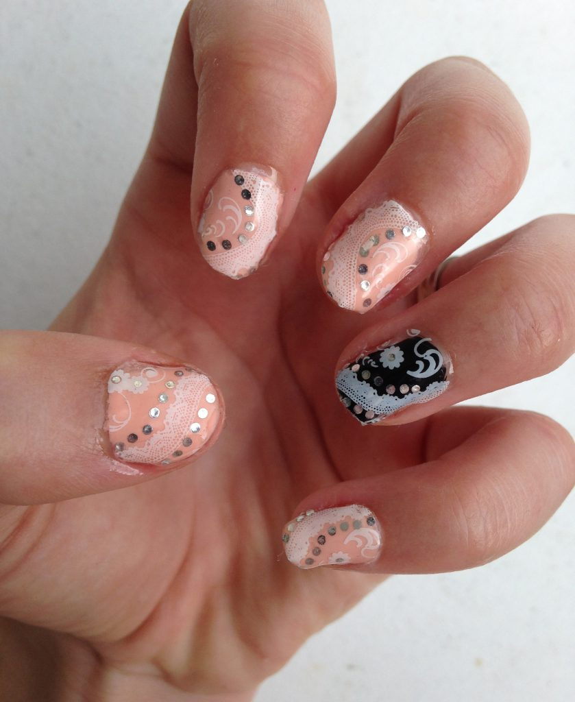 Classy Rose and Black Wedding Nails 1