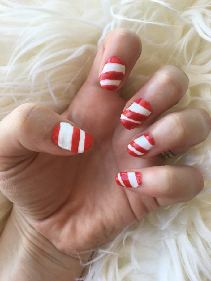 Candy Cane Christmas Nails 5