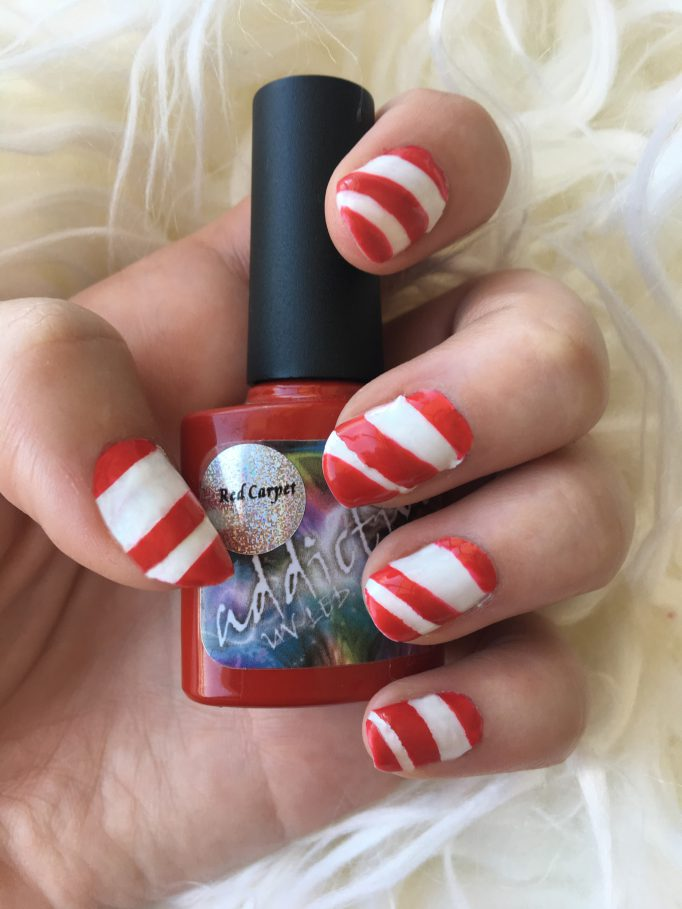 Candy Cane Christmas Nails 6