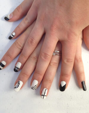 Black and White Geometric Nails Feature Image