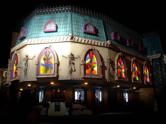 Dracula's Cabaret Restaurant Outside