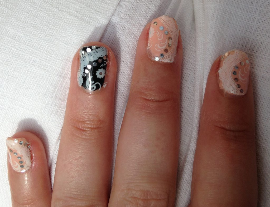 Classy Rose and Black Wedding Nails 4