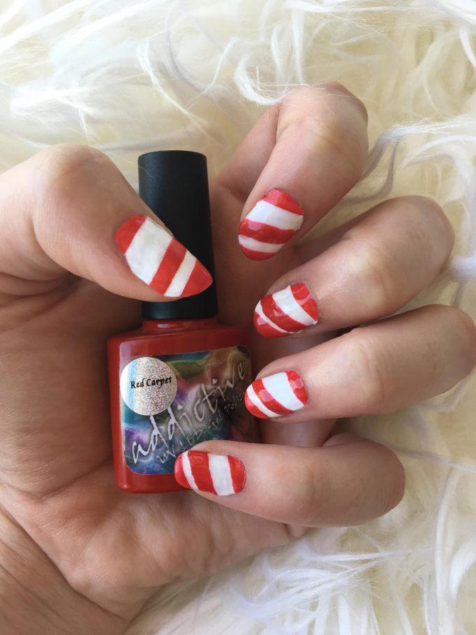 Candy Cane Christmas Nails 3